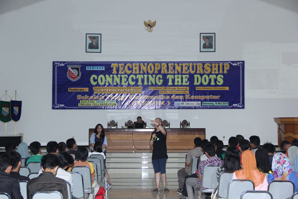 Seminar Technopreneurship 'Connecting the dots'
